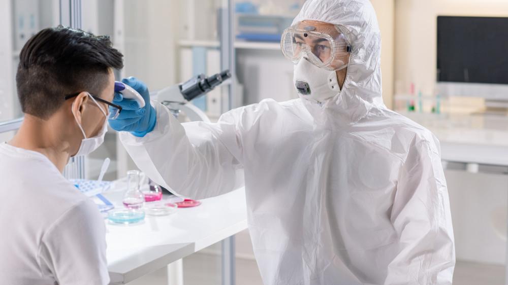 По 50 тысяч тенге планируют выплатить социально уязвимым алматинцам, заболевшим коронавирусом и пневмонией